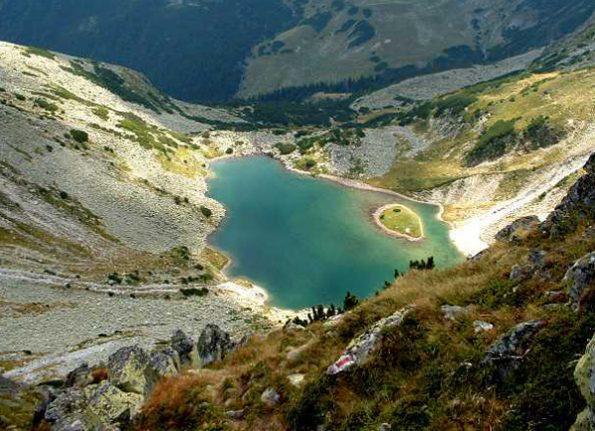 این 10 دریاچهی بی نظیر در کشور رومانی، شما را متحیر خواهند کرد!