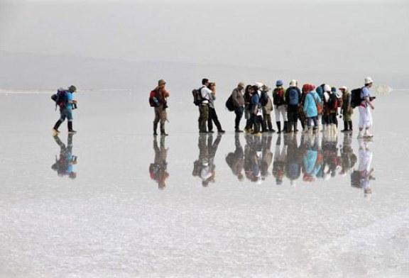 ۷ دریاچه و تالاب عجیب در ایران را بشناسید