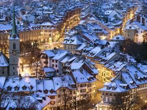 """عنوان: برن، سوییس """"این زیباترین مکانی است که تا کنون دیده ام""""، این متن را نمایش نامه نویس آلمانی یوهان ولفگانگ فون گوته در طول اقامتش در برن نوشته است. برن پر از صحنه های طبیعی زیباست که بیشتر شبیه یک روستای بزگ می باشد تا شهر! عکاس: Peter Klaunzer"""