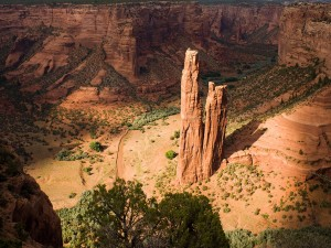 عنوان: Canyon de Chelly National Monument، آریزونا دیوارهای دیدنی و جذاب ماسه سنگی در آریزونا. این نقطه معروفترین ستون در این دره است. عکاس: Kevin Moloney