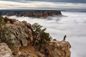 عنوان: ابرهای گرند کنیون عکاس نشنال جئوگرافی در حال عکاسی از این پدیده ی نادر آریزونا. عکاس: Harun Mehmedinovic