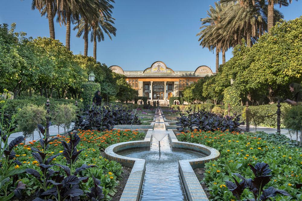 Classic-Persian-garden-terr