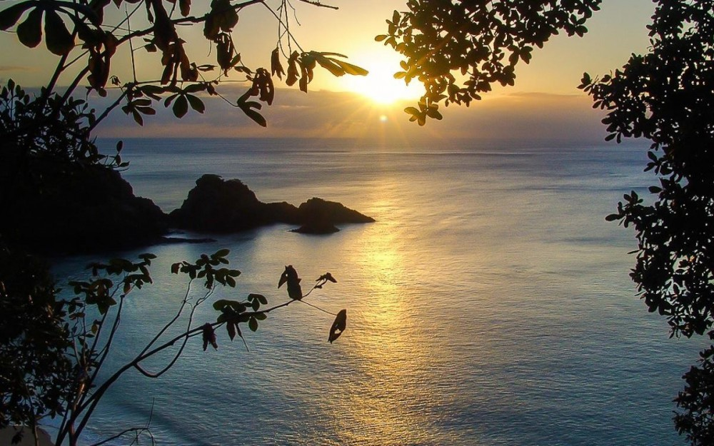 Fernando-de-Noronha-Baia-do-Sancho-at-Sunset-1000x625