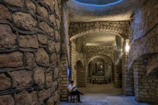 شهر زیرزمینی کاریز کیش به روایت تصویر
