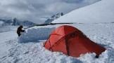 زدن کمپ در برف و سرما