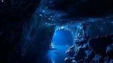 غار همیشه درخشان وایتومو گلوورم در نیوزلند