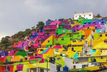 """شهری در مکزیک که از """"سر تا پای"""" آن رنگ آمیزی شده است"""