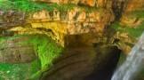 باتارا ،غار عجیبی که با ذوب برف به آبشار تبدیل می شود!