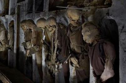 تصاویری از موزه جنازه های مومیایی در ایتالیا