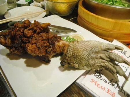 رستورانی با عجیبترین و چندش آورترین مواد غذایی
