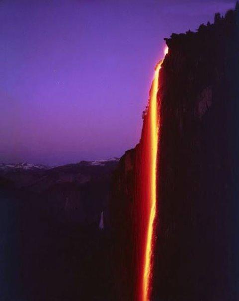 آبشاری از آتش که شگفت زده تان می کند!