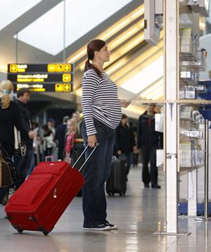اگر باردار هستید و قصد سفر دارید بهتر است بدانید که...