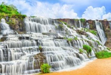 آبشاری بسیار رویایی و زیبا در ویتنام