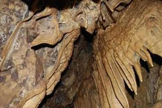 با غار بورنیک در فیروزکوه آشنا شوید