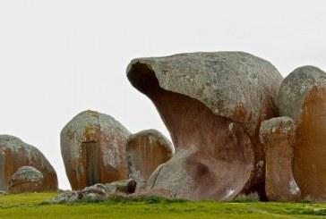 سنگ های عجیب مورفیز هیستکس در استرالیا