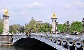 یکی از زیباترین پل های پاریس به نام پل اکساندر