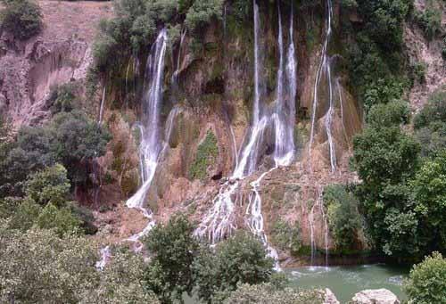لذت بردن از طبیعت را با مخمل کوه لرستان تجربه کنید