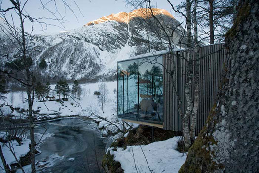 هتلی مدرن در دل طبیعت نروژ + تصاویر