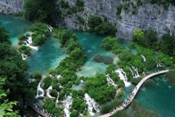 ۱۰ دریاچه فوق العاده زیبا که باید ببینید