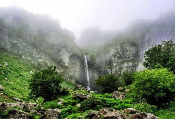 معرفی آبشار بسیار دیدنی ورزان در گیلان