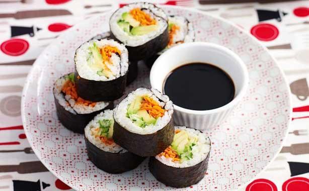 آموزش سوشی غذایی به سبک ژاپنی ها+عکس