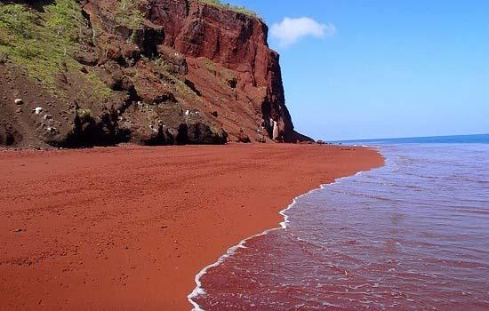 شگفت انگیز ترین سواحل دنیا را با عکس ببینید