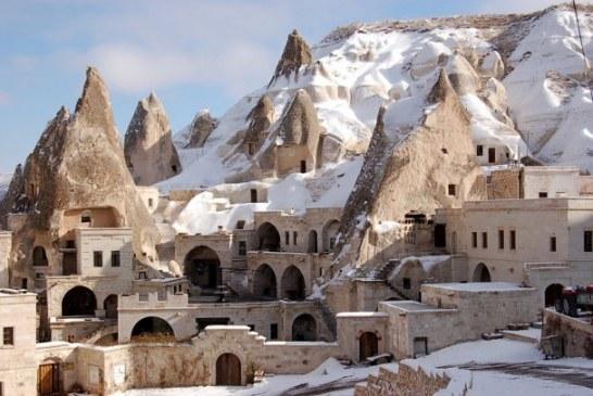 هتلی ۱۵۰۰ ساله که با «جن و پری» از شما پذیرایی می کند!
