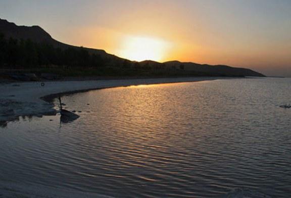 دریاچه مهارلو در کجا قرار دارد؟