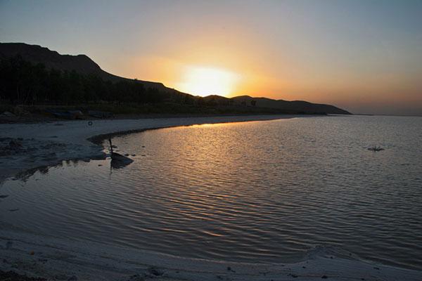 Maharloo-Lake3