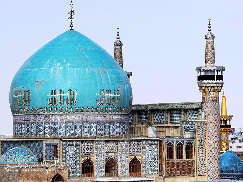 مسجد گوهرشاد مانند گوهری فیروزهای در آستان قدس میدرخشد.