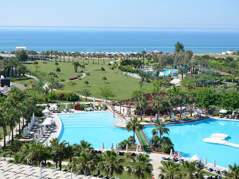 چشمه آبگرم و تفریحگاه باروت هتلز لارا-ساحل لارا