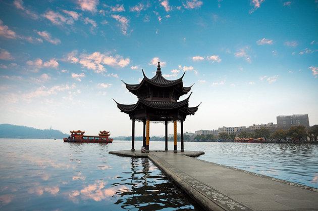 برترین جاذبه های گردشگری چین دریاچه غرب
