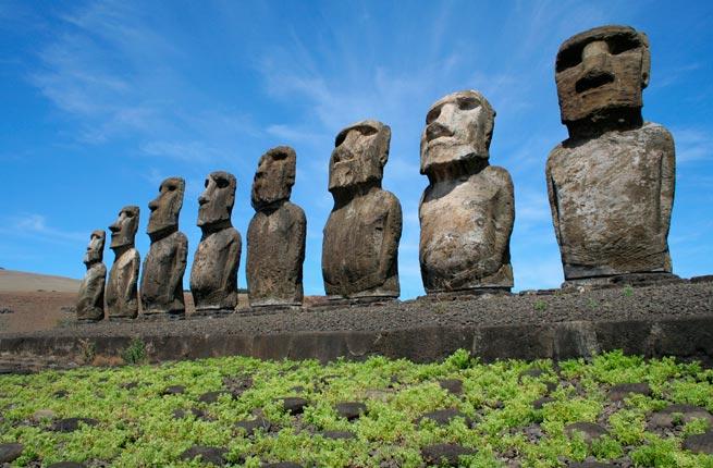 خرابه های شگفت انگیز و دیدنی در سراسر دنیا,مجسمه موآی-easter-island-chile