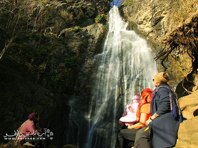 آبشار زیبای میلاش.