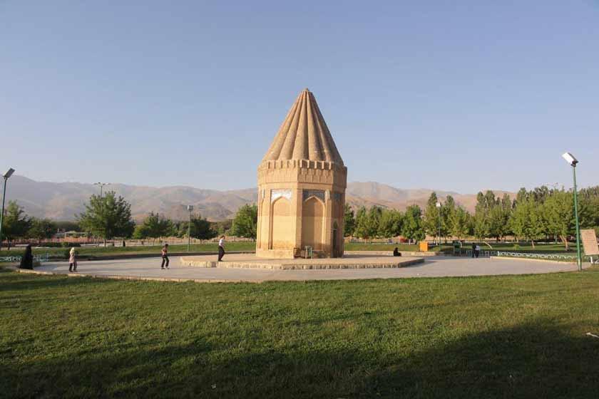 آرامگاه حیقوق نبی در همدان