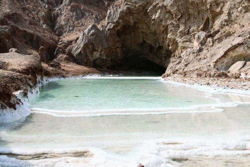 غار نمکی قشم