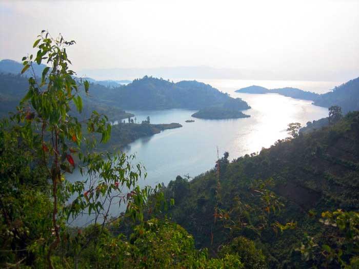 خطرناک ترین جاذبه های گردشگری دنیا,دریاچه ویکو