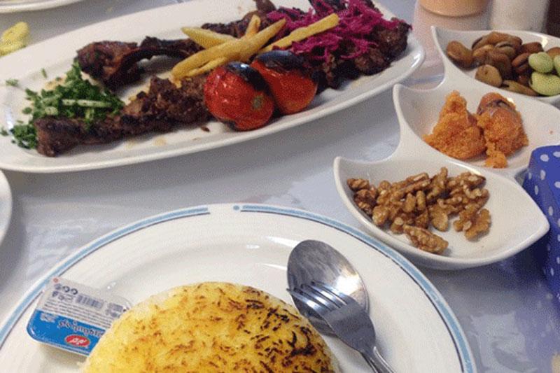 رستوران لاهیجان