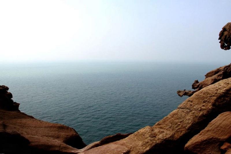 ساحل صخره ای دره تندیس ها