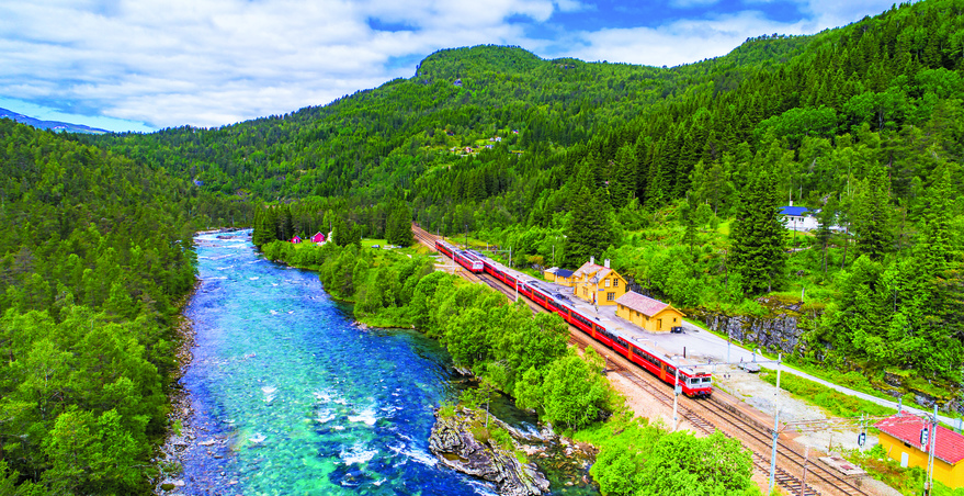 زیباترین مسیرهای گردشگری برای سفر با قطار
