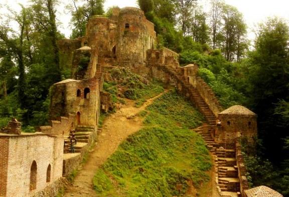با حیرتآورترین جاذبههای باستانی ایران آشنا شوید