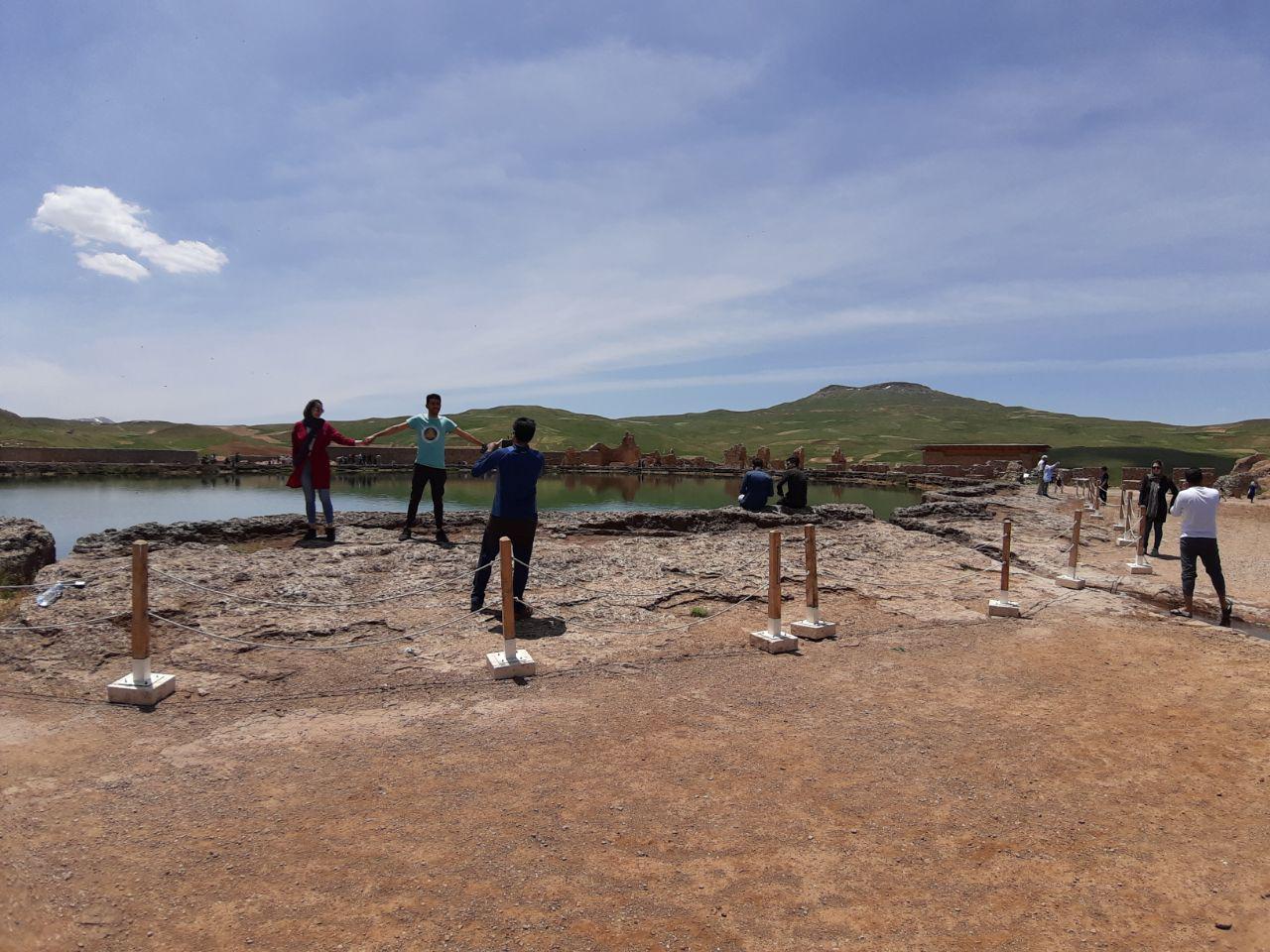 خطر نزدیک شدن به دریاچه تخت سلیمان