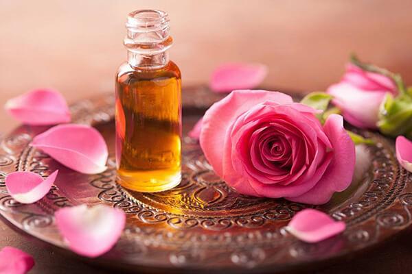 روغن گل سرخ معروف ترین سوغات وارنا