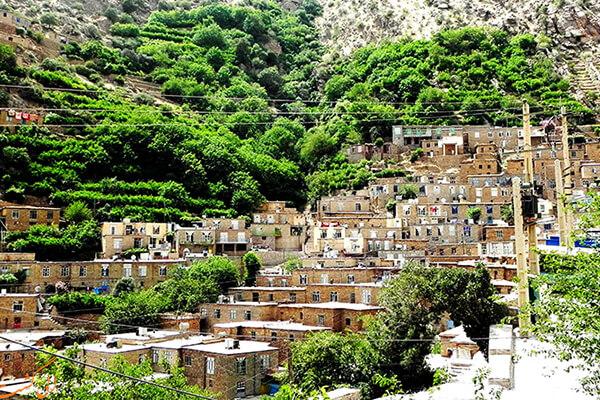 هجیج، پلههایی در دل کوه