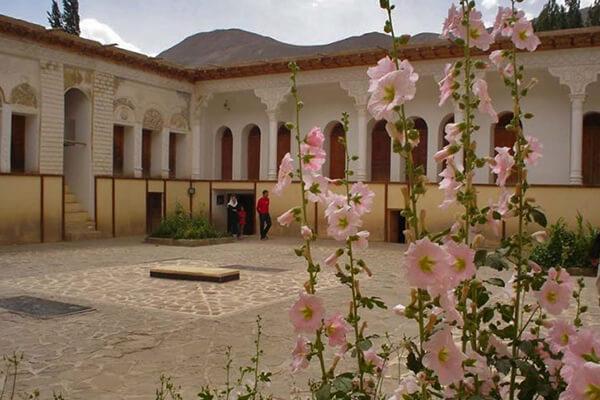 روستای یوش از مقاصد پاییزی