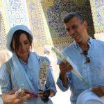 گل مریمی که طلاب به گردشگران خارجی نقش جهان دادند | هدف طلاب حوزه علمیه ناصریه چه بود؟