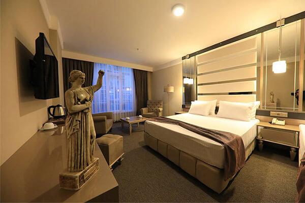 هتل رنسانس لایف وان ترکیه