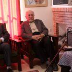 عکس جنجالی اعضای شورای شهر تهران در موزه سیمین و جلال | وقتی روی اشیای موزهای مینشینند!