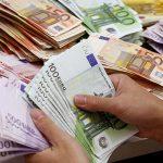 محدودیت تعداد خرید ارز مسافرتی برداشته شد | محدودیت سقف خرید ۲هزار یورو همچنان پابرجاست